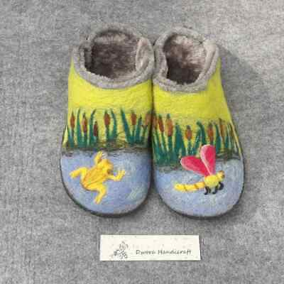 Dwora Handicraft slippers size 39, nature, water, dragonfly, frog. Felt and wool