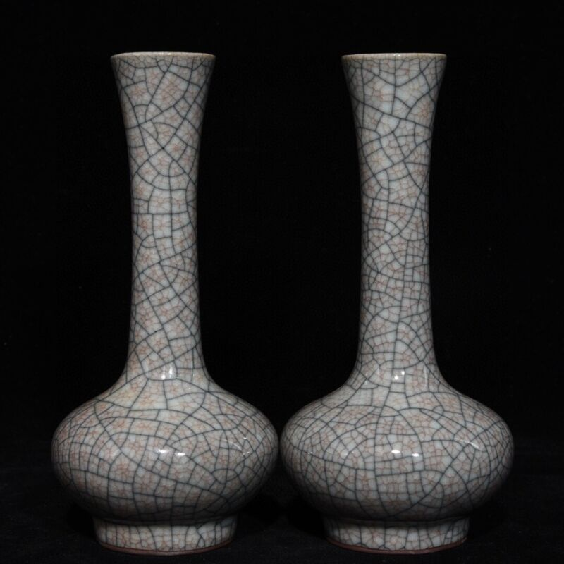 A Pair Chinese Porcelain Handmade Exquisite Vases 16730