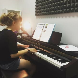 Piano Lessons for kids and adults!