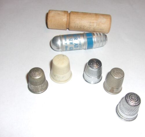 ESTATE ANTIQUE THIMBLES  LOT WITH ADVERTISEMET THIMBLE AND WOOD NEEDLE HOLDER