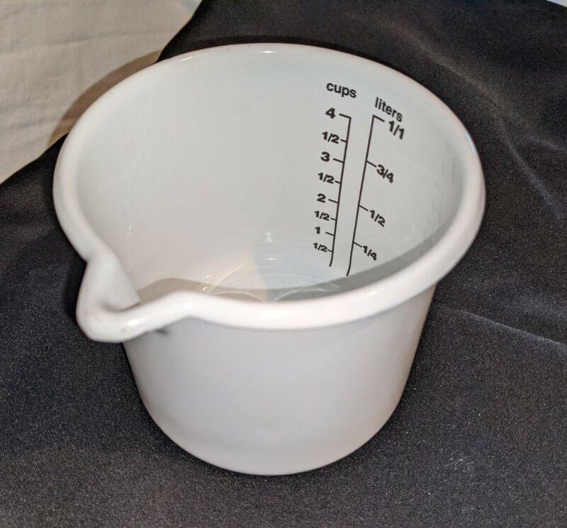 Vintage White Enamelware Liquid Measuring Cup 4 cups 1 Liter Farmhouse Rustic
