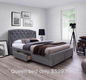 Iris Queen bed