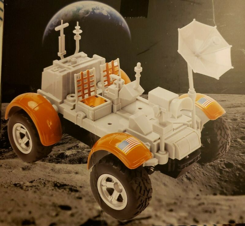 SMITHSONIAN RC LUNAR ROVING VEHICLE WITH WIRELESS CONTROLLER