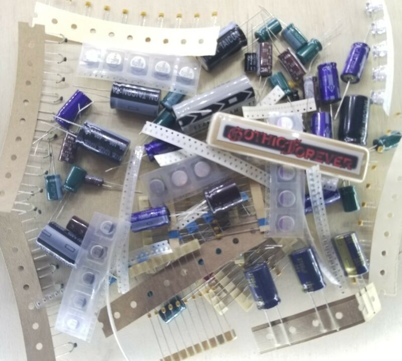 250 Pcs - Capacitors - Electrical Component Grab Bag Assortment DIY or Arduino