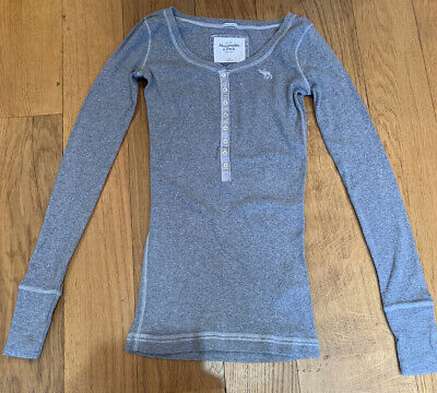 Abercrombie And Fitch, Grey Top, Buttoned Detail, Size Medium