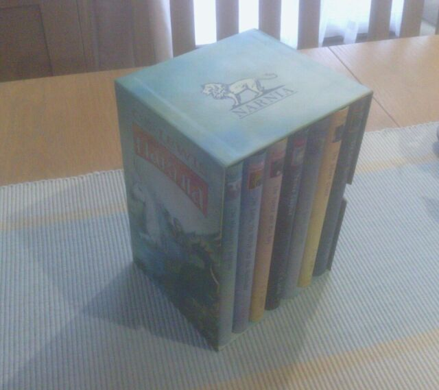 CS Lewis The Chronicles of Narnia - 7 Book Hardback  Set in Slipcase