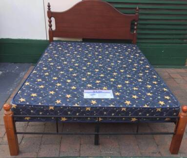 Good condition frame queen bed with mattress. Delivery can do
