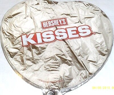 NEW HERSHEYS KISS HEART SHAPED MYLAR BALLON GIFT SET BIRTHDAY GIFT](Mylar Ballon)