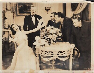 Silk Stockings (1957) 8x10 black & white movie photo #60 ()