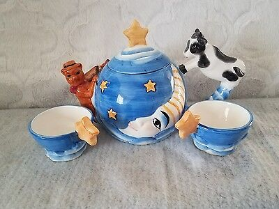 The Cow Jumped Over The Moon Teapot W/2-Cups DesignPac Inc.