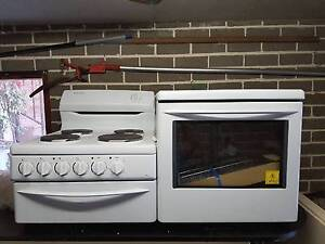 Westinghouse PEL 1350W electric elevated stove North Narrabeen Pittwater Area Preview