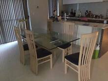 very nice condition table and 6chairs Balmain Leichhardt Area Preview