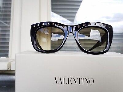 Valentino Rockstud Cateye Sonnenbrille Schwarz/goldene Nieten mit Etui und Karto