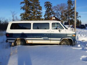 1992 Chevrolet Sportvan, automatic, Ricon wheelchair lift