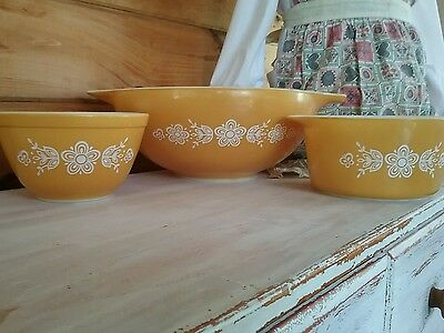 3 Vintage PYREX  CHIP AND 2 DIPS BOWLS Butterfly & Flowers 3 bowls SUPER CLEAN