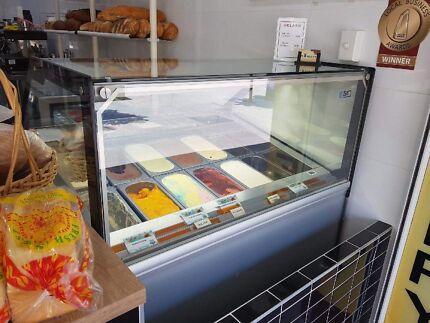 12 flavour deluxe gelato display fridge