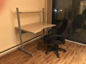 IKÉA desk and office chaire good quality only 50$