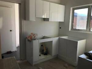 Complete Kitchen Cabinets with 2PAC Gloss White Door 274
