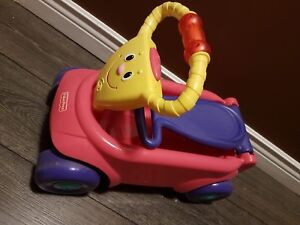 Fisher Price 2 in 1 ride on wagon