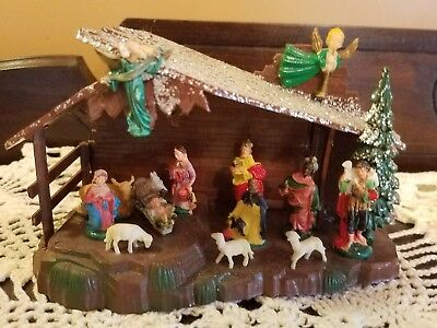 Vintage Manger Plastic Nativity Scene Shiny Brite Glitter Roof Miniature Diorama