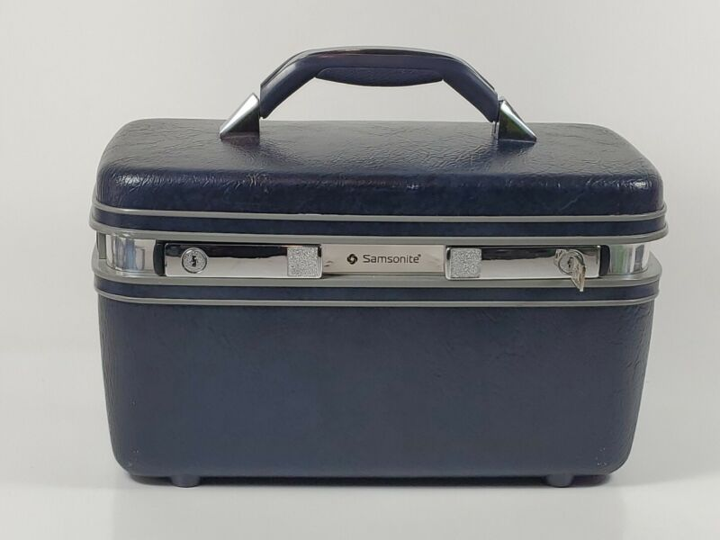 Vintage Samsonite Blue Makeup/Cosmetic Hard Shell Train Case With Key No Tray