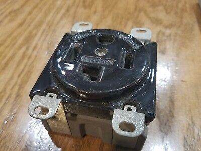 Hubbell 9432 125250v 30a Outlet Socket Ceramic P-2158 014a19