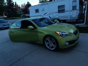 2010 Genesis Coupe 2.0 Turbo Track Package with Sun roof