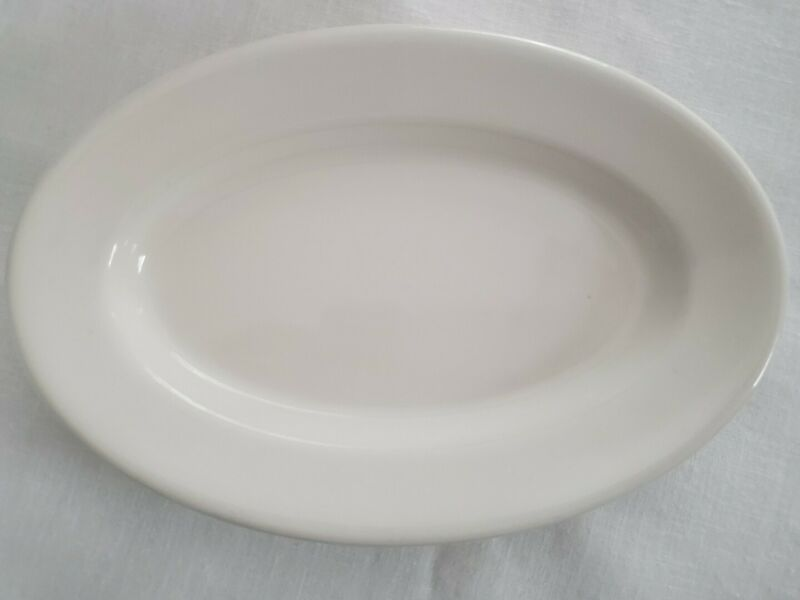 One Buffalo China Restaurant Ware White Oval Plate 9.5 X 6.5 inch Vintage