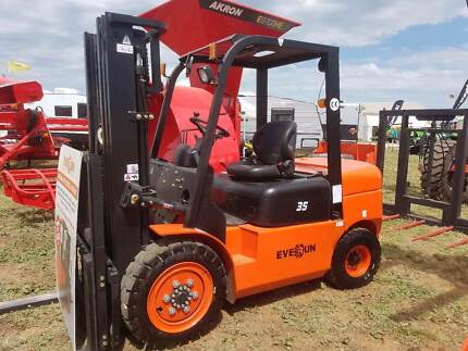 Forklift - New Everun FD35 Diesel Forklift -Container Mast, Sides