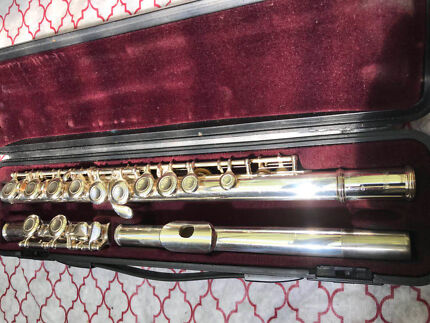 Yamaha flute YFL221 Made in Japan good condition cost $899 sell $399