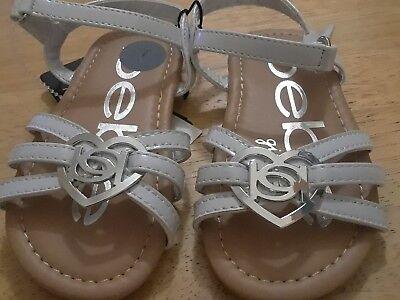 BEBE Toddler Girls Logo Sandals White Patent 7M US Toddler