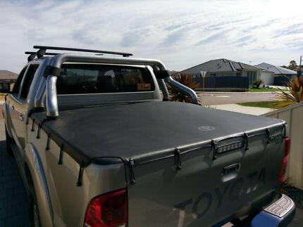 Toyota Hilux sports bar and tonneau cover