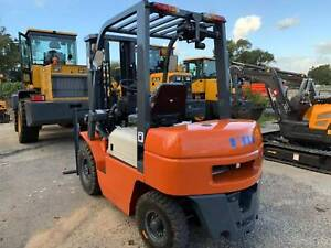 $1000 Discount,Clearance Sale 2.5T Forklift 55HP Diesel 3 Stage Ingleside Warringah Area Preview