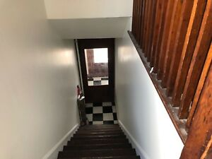 Bright 3 bedroom+den close to dal from December 1st