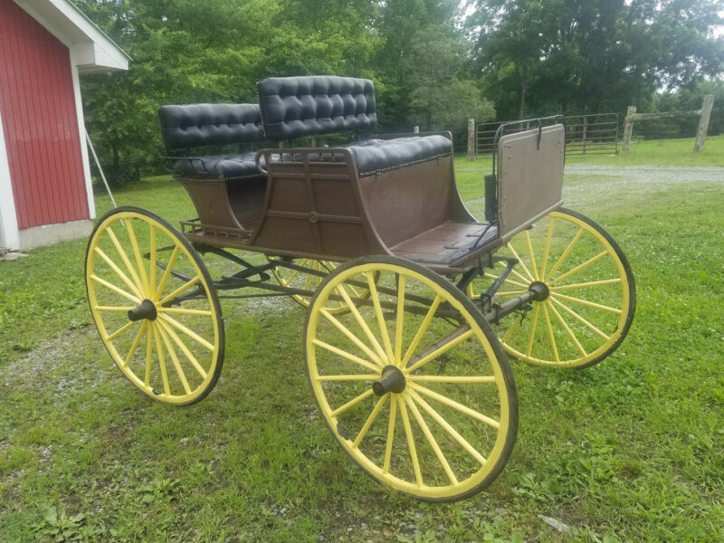 antique horse drawn buggy excellent condition historic artifact