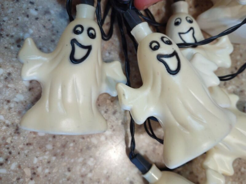 10 Vtg HALLOWEEN Blow Mold Plastic Light String GHOSTS Decoration Covers