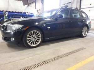 BMW 2010 4200$   328 xdrive 2010 wagon