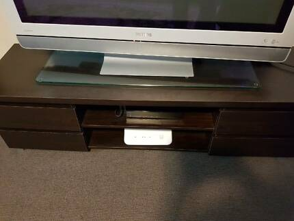 Laminate TV Stand / cabinet