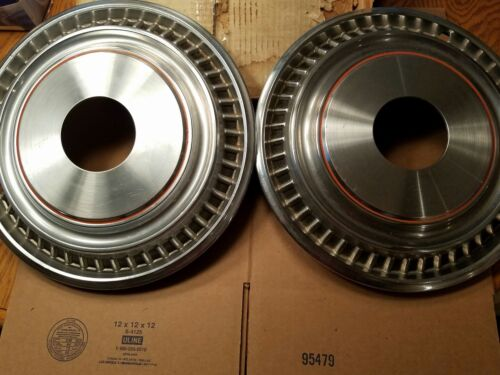 NOS GM Chevrolet Chevy Truck Hubcaps 4wd 1973 74 75 76 77 78 80 82 85 87