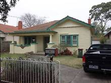 1 ROOM IN COSY COTTAGE NEWLY CONVERTED SHAREHOUSE Caulfield Glen Eira Area Preview