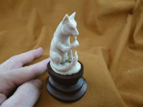 wolf-28) white Wolf sitting wolves shed ANTLER figurine Bali detailed carving