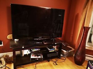 55'' TV with stand table