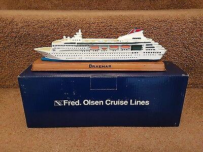 Fred Olsen Cruise Lines BRAEMAR Model Ship BRAND NEW 25cm