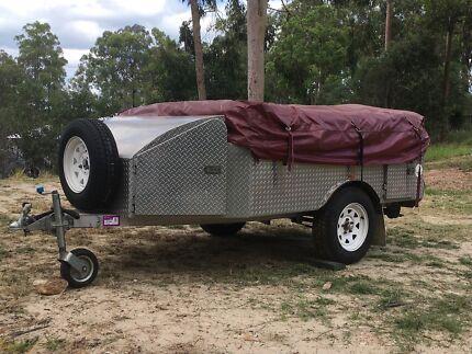 Aluminium camping trailer