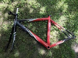 Small Bike Frame Albert Park Port Phillip Preview