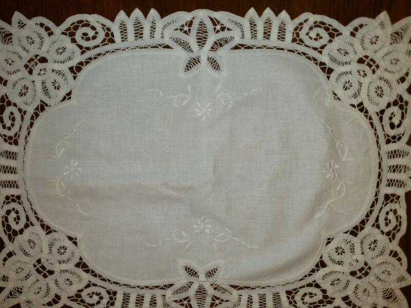 Antique Battenburg Lace Table Linen 4 pc set (4) Placemats