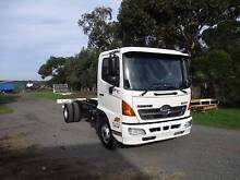 12/2009 Hino FC Cab Chassis Wallington Outer Geelong Preview