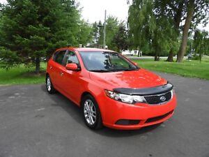Kia Forte5 EX - 2012 - Excellente condition !