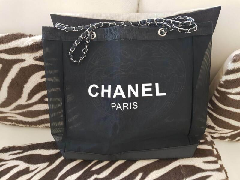 6f2999a6746d Chanel Tote Bag Mesh VIP Gift Gold Chain Straps 42cm | Bags | Gumtree  Australia Holdfast Bay - Glenelg | 1209900672