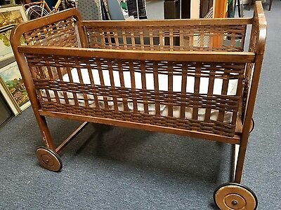 Antique woven Wood Baby Crib bed bassinet on Wheels RARE Vintage PU only!